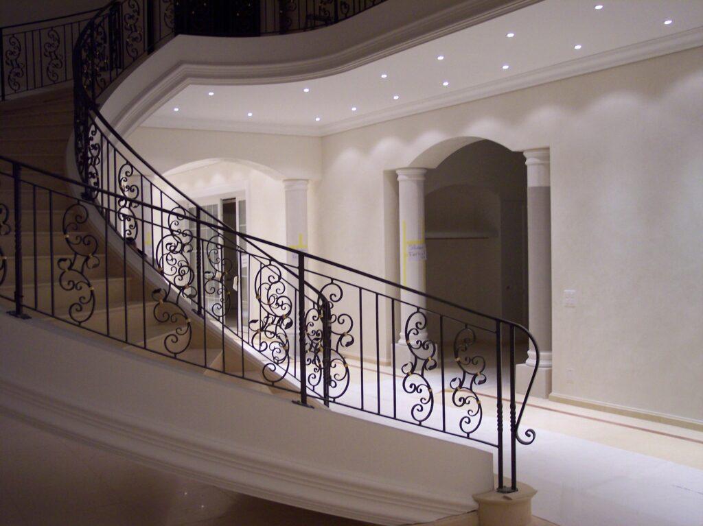 Stuckaturen Treppe Gezogen